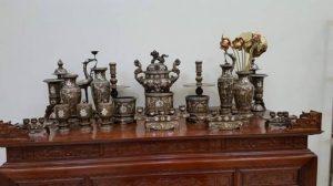 cách bày bộ đỉnh đồng tam khí trên bàn thờ gia đình