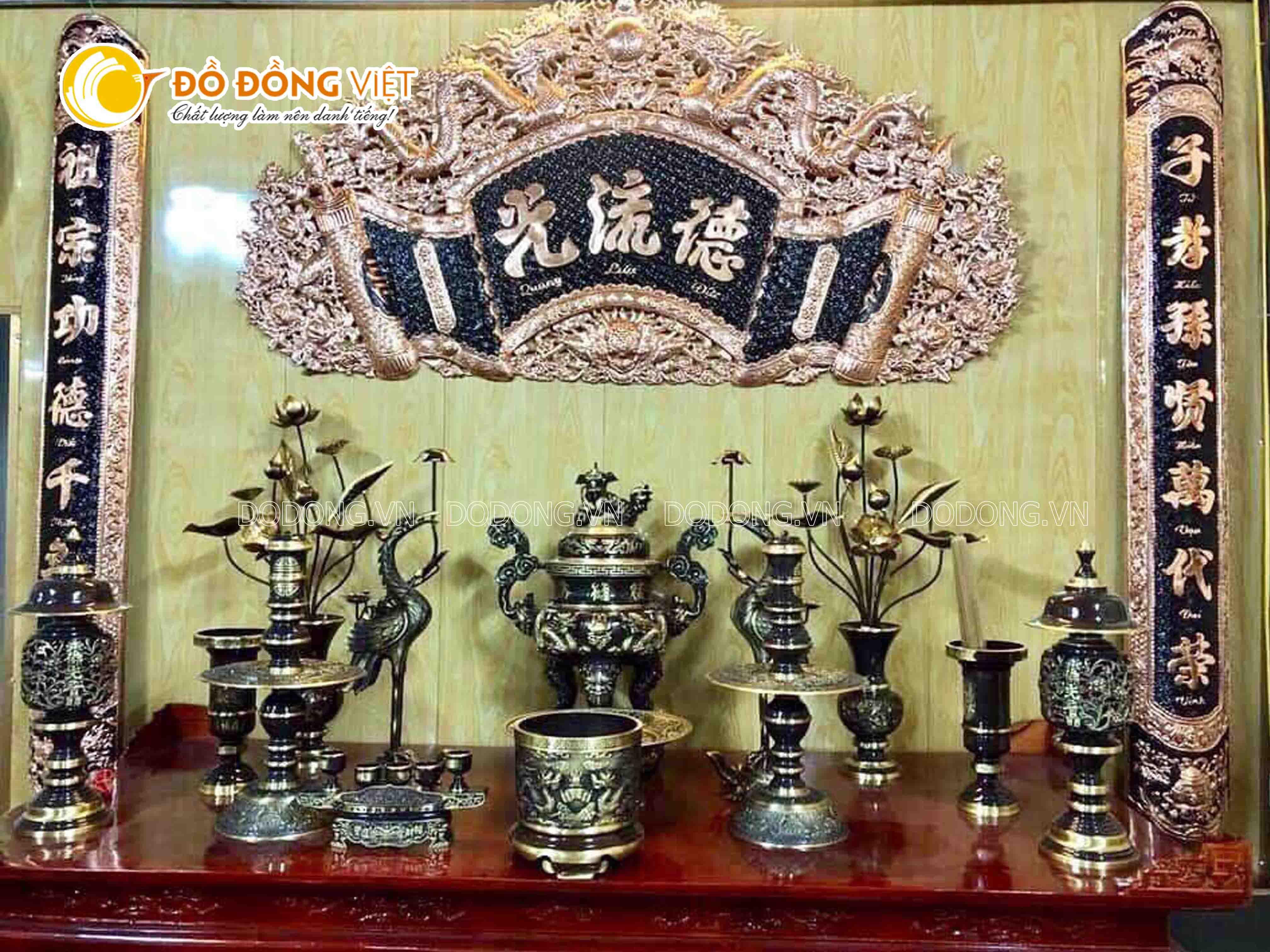 Đồ đồng Việt bật mí cách bài trí bộ ngũ sự trên bàn thờ